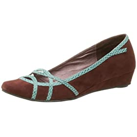 Endless.com: farylrobin Women&#039;s Beth Flat with Low Wedge: Flats &amp; Loafers from endless.com