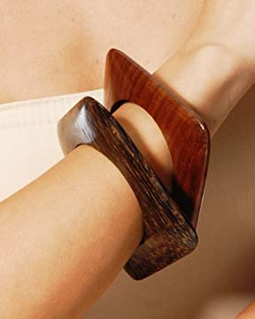 bebe.com : Square Wood Bangles from bebe.com
