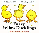 Fuzzy Yellow Ducklings: Fold-Out Fun With Textures, Colors, Shapes, Animals  30語