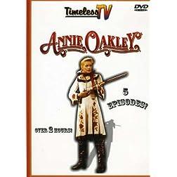Annie Oakley (2pc) (B&W)