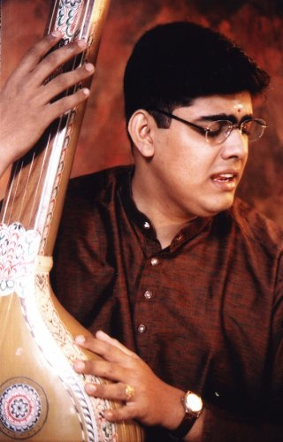 Sikkil Gurucharan Live Recording Music Season 2007 (Dvd)